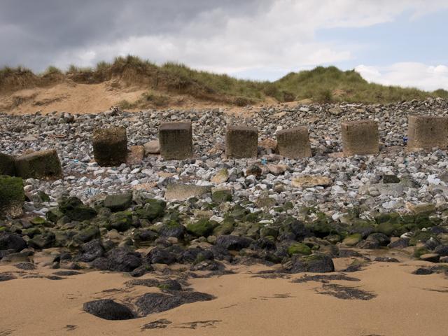 Blocks and dunes