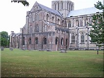 SU4829 : Winchester cathedral by Raymond Knapman