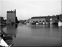 SO8453 : Diglis Basin, Worcester by Dr Neil Clifton