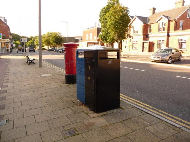 Broadstone: postbox № BH18 172, Lower Blandford Road