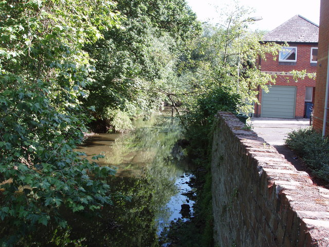 Eastern channel of the River Cherwell, St Clements