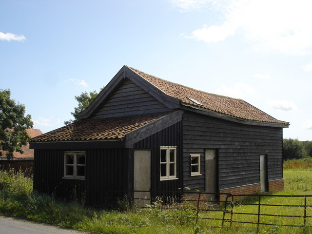 Old farm building outside Bredfield