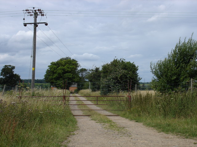 Farm track off Lower Ufford Lane