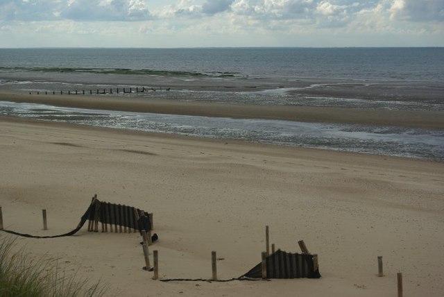 Coastal defences on Holme beach