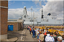 SU6200 : Queue to see HMS Daring by Peter Facey