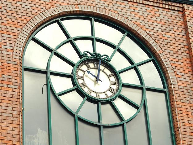Clock and window, Belfast
