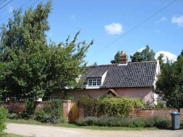 Cottage, Bromeswell