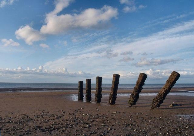 Pileri grwyni / Groyne pillars