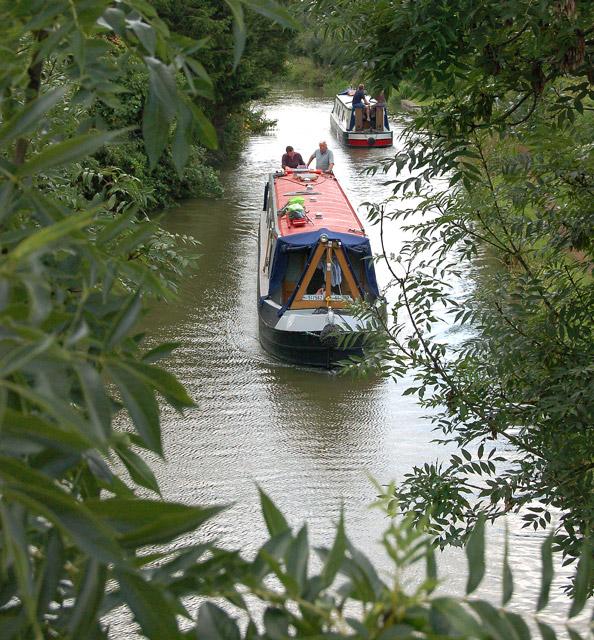 Narrowboats south of bridge 66, Oxford Canal