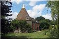 TQ9145 : Oast House at Elvey Farm, Elvey Farm Road, Pluckley, Kent by Oast House Archive