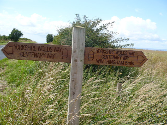 Wolds Way Fingerpost on High Street