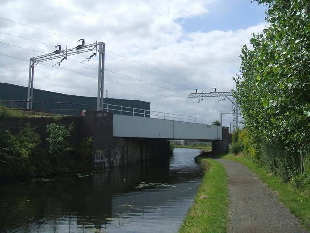Wyrley & Essington Canal Railway Bridge