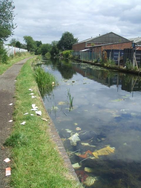 Wyrley & Essington Canal - Heath Town