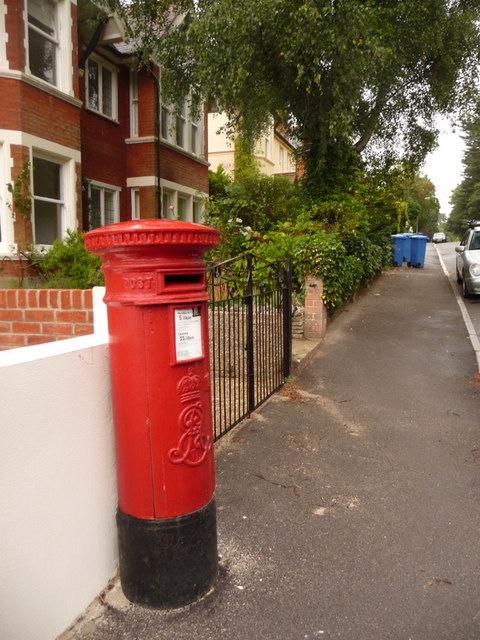 Branksome: postbox № BH13 105, Ormonde Road