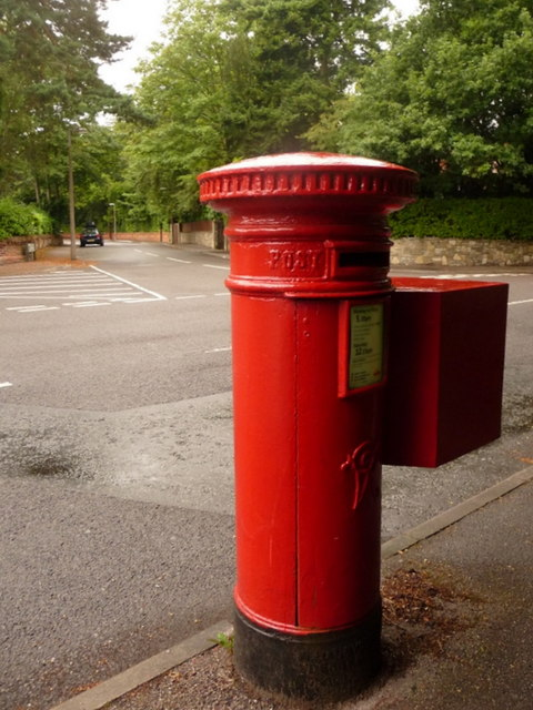 Branksome: postbox № BH13 83, Tower Road