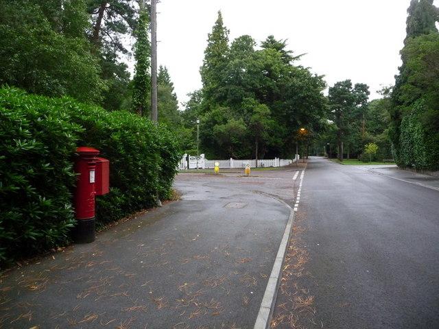 Branksome: postbox № BH13 153, Western Avenue