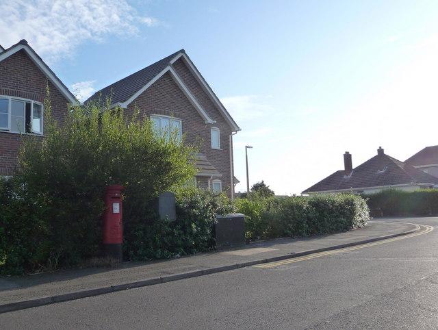 Parkstone: postbox № BH12 181, Cynthia Road