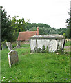 TM2684 : Tomb chest in St Mary's churchyard by Evelyn Simak