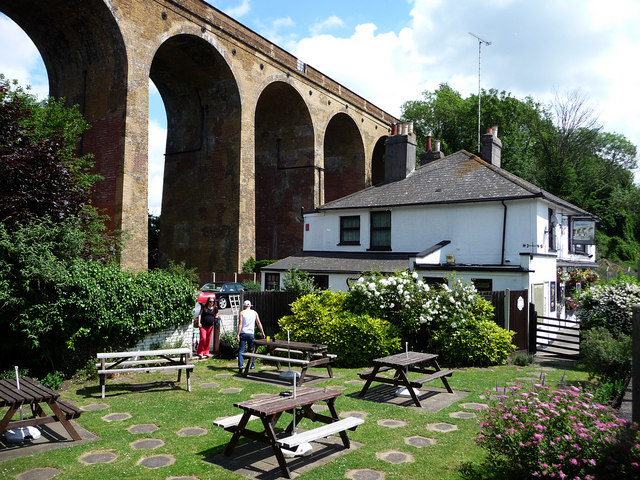 South Darenth Viaduct and The Bridges pub