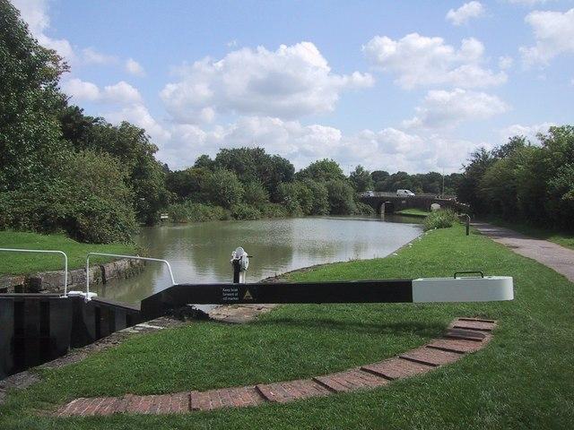 Basin near the top of the flight of Caen Hill Locks