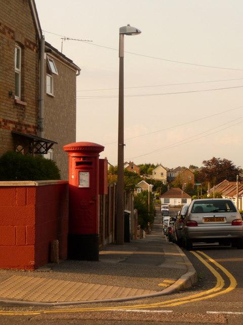 Parkstone: postbox № BH12 48, Farcroft Road