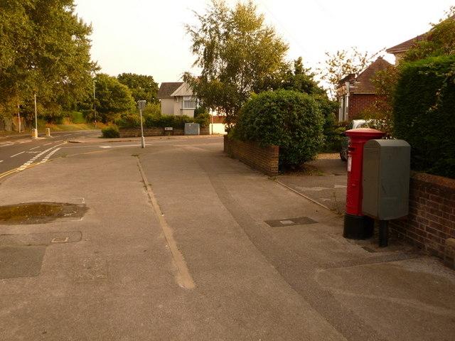 Parkstone: postbox № BH14 148, Ringwood Road