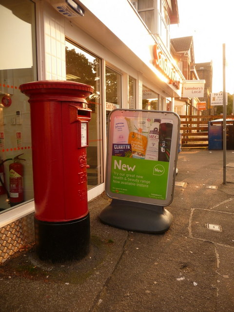 Parkstone: postbox № BH14 38, Bournemouth Road