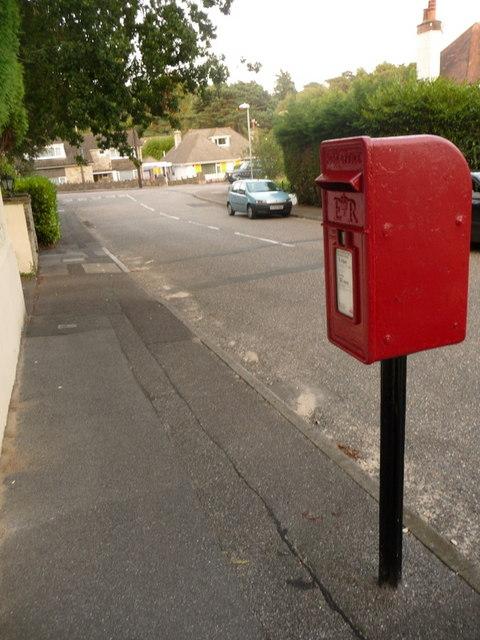 Parkstone: postbox № BH14 188, Glengariff Road