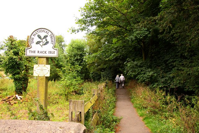 Footpath on Rack Isle in Bibury