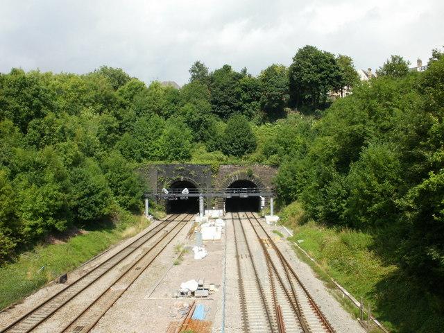 Newport : Hillfield tunnels viewed from the south
