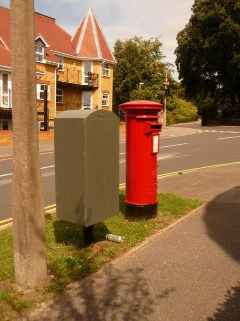 Parkstone: postbox № BH14 64, Wyndham Road
