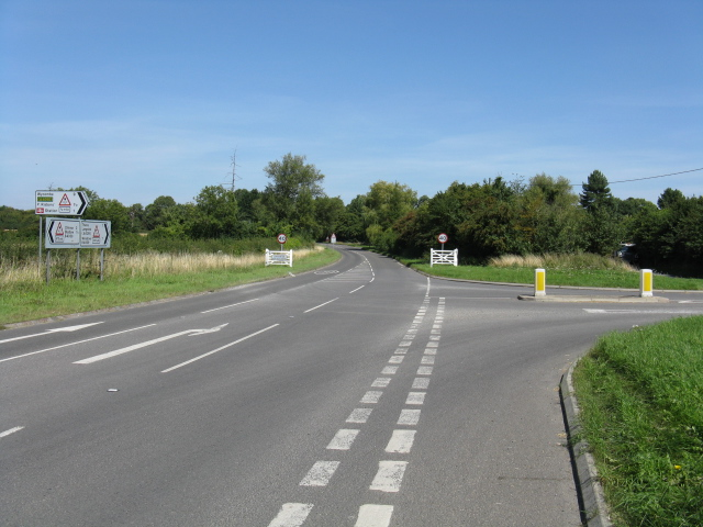 Entrance To Longwick At Summerleys Road