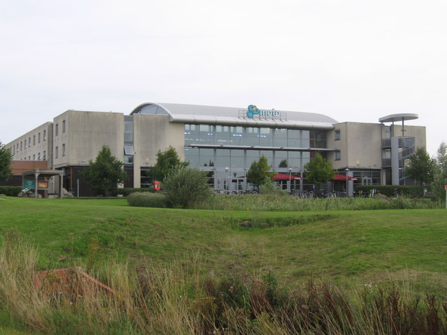 Donnington Park Services