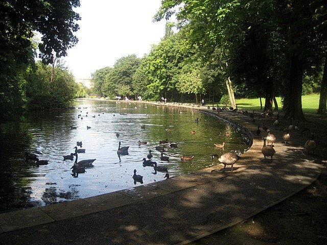 Thornes Park lake