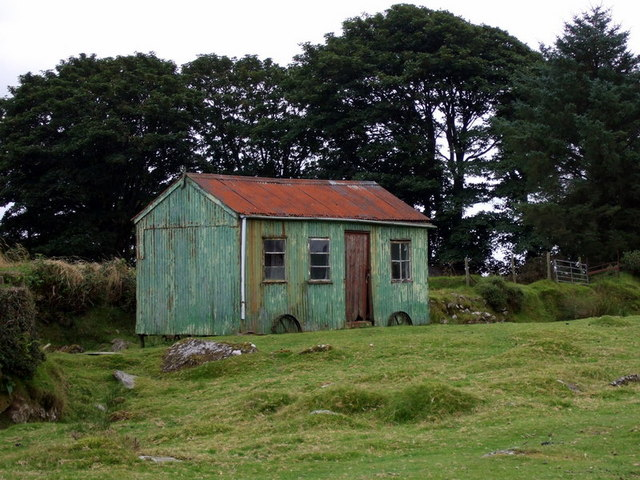 Little tin shed on Rhos Fach