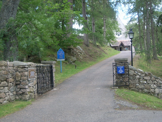 Entrance to Crathie Kirk