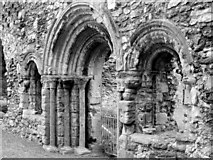 SX9063 : Romanesque arches, Torre Abbey ruins, Torquay. by David Lewis
