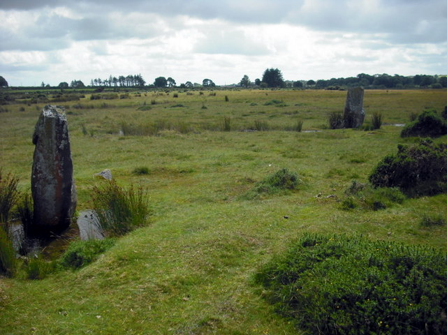 Standing stones and circle at Gors Fawr
