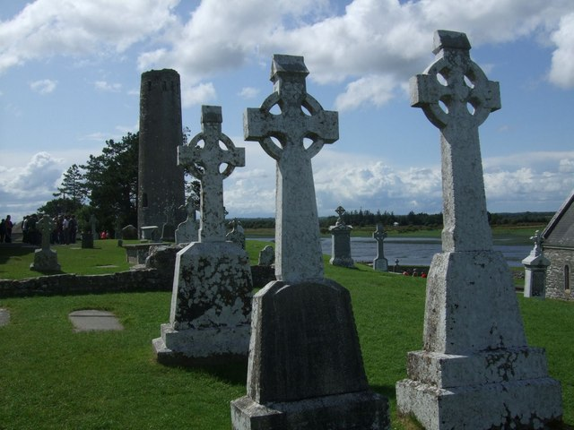 Round Tower and Burial crosses at Clonmacnoise