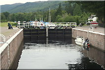 NH6140 : Awaiting the lock at Dochgarroch by Des Colhoun