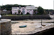 SS2006 : Large house at the sea lock of the Bude Canal by Steve Daniels