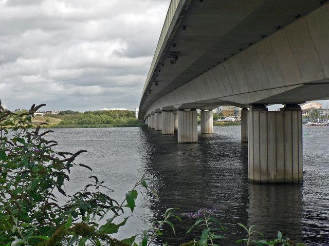 The A4232 road bridge over the River Taff - Cardiff (1)