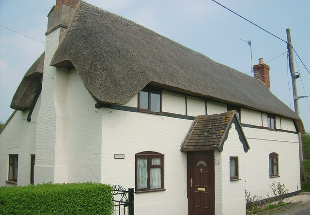 Thatched cottage (white), Great Bedwyn