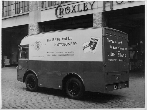 Old photo of an electricar outside Croxley House in Wharfdale Road