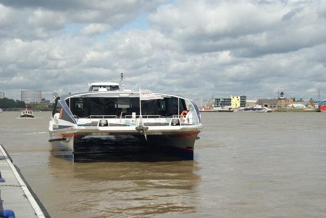 Thames Clipper at the QEII Pier