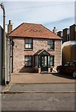 TR3752 : House in West Street by John Salmon