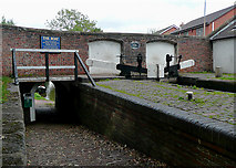 SJ9214 : Penkridge Bridge and Lock, Staffordshire by Roger  Kidd