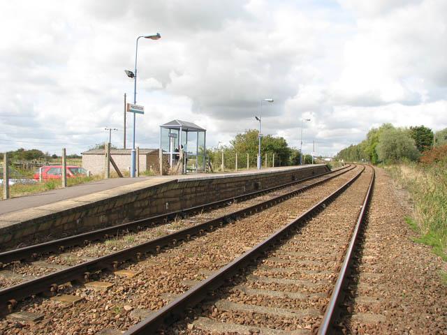 Haddiscoe station - shelter on north-bound platform