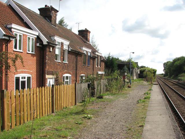 Cottages at Haddiscoe railway station