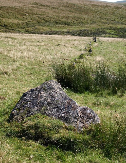 Upper Erme stone row